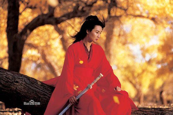 18.张曼玉,古装代表作:《新龙门客栈》,《青蛇》,《英雄》.