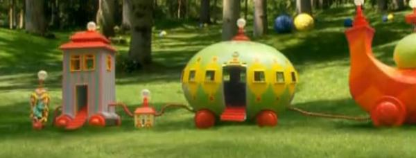 依古比古竟然丢下唔西迪西一个人坐上叮叮车